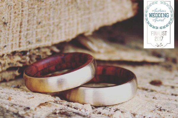 Feinheit Goldschmiede beim Wedding Award Eheringe aus Gelbgold und Holz