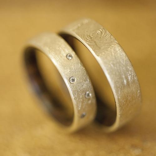 Handgefertigte Eheringe Mit Holz Feinheit Goldschmiede